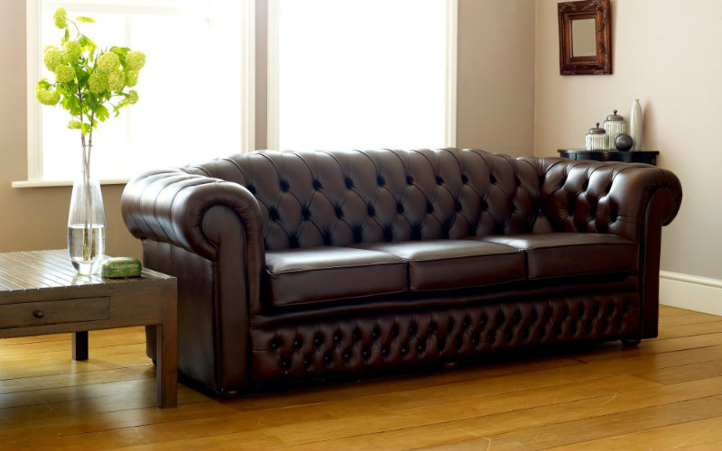 Sofa Chesterfield bahan kulit asli
