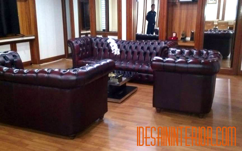 harga sofa kulit chesterfield